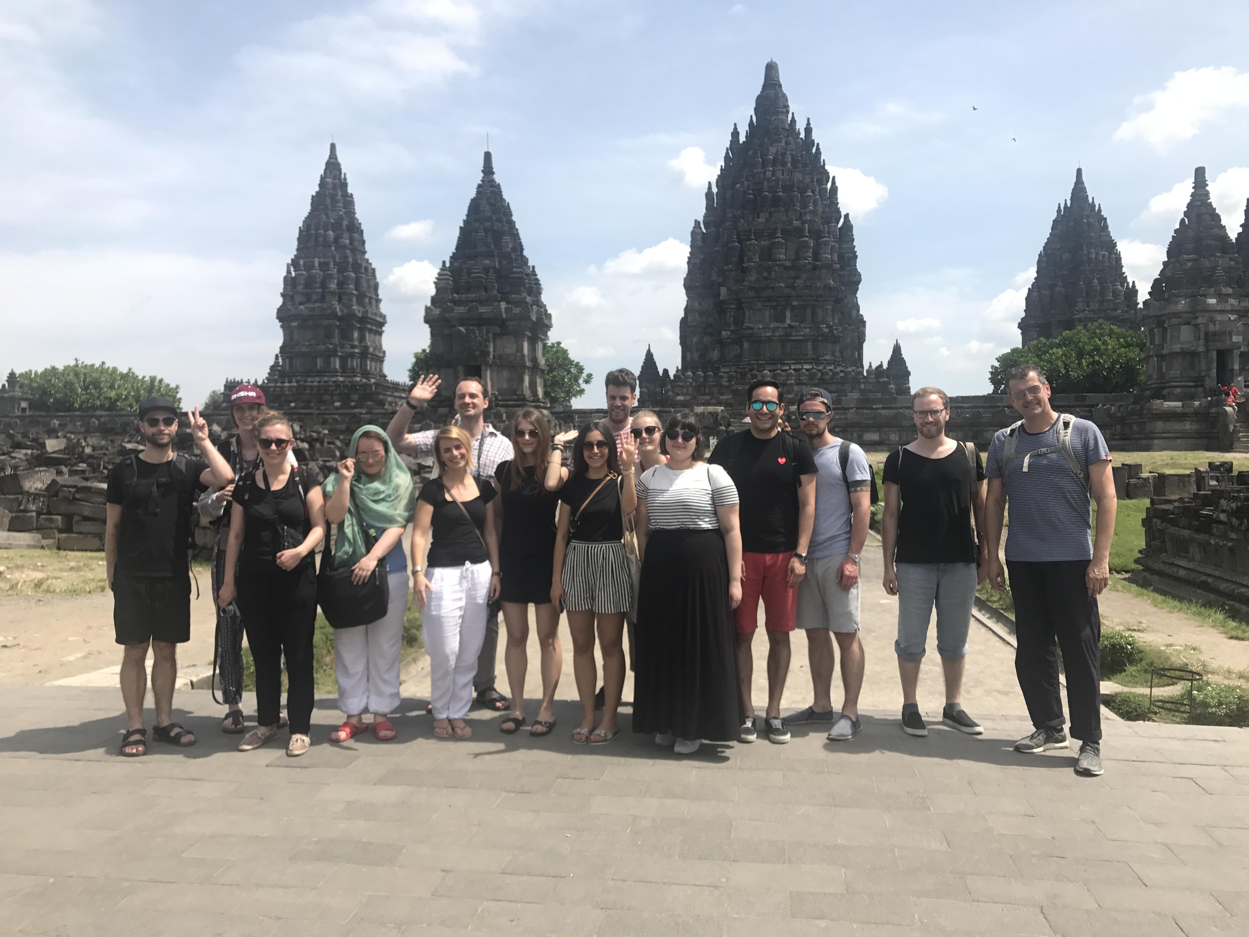 Master- und Designstudenten aus Dutschland und Indonesien beim gemeinsamen Workshop